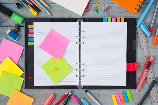 illustration outils d'organisation listes planners